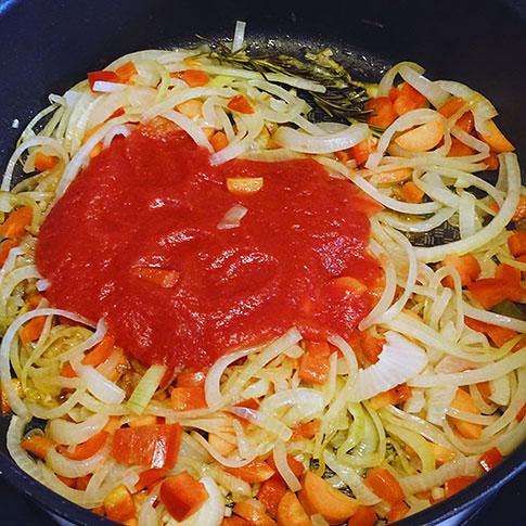 recepta estofat salsitxes serraplà